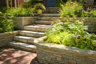 Landscaper vs gardener